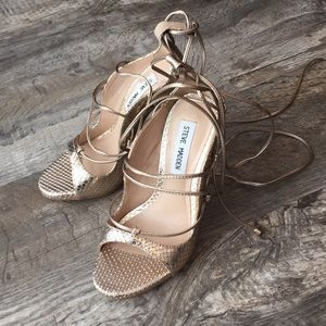 Shoes - Steve Madden gold heels nwt shoes pumps